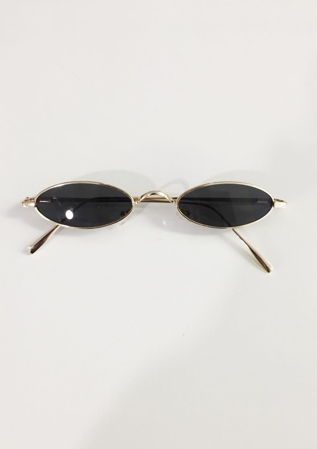 57daa30626 Polly Small Oval Sunglasses Black - DayDreamers